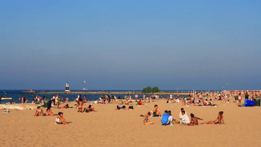 Evanston abre la playa al eclipse