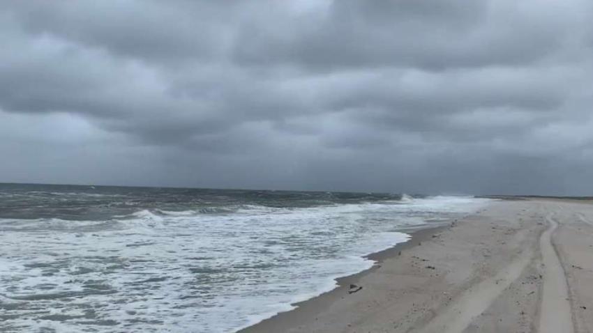Fuertes_vientos_y_marejadas_erosionan_playas_de_NJ_y_NY.jpg